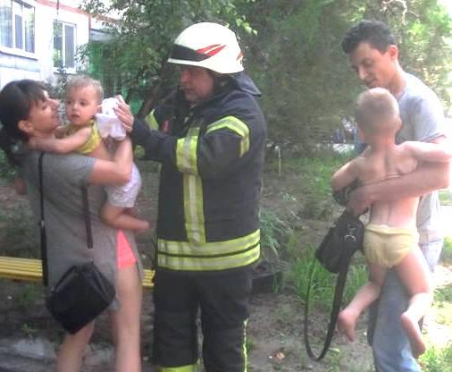 Пожар в Харькове: на Алексеевке эвакуировали людей