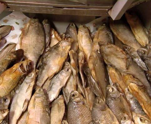 В городе под Харьковом введен запрет на торговлю рыбой