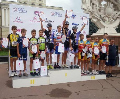 Харьковские велосипедисты завоевали «золото» чемпионатов Украины