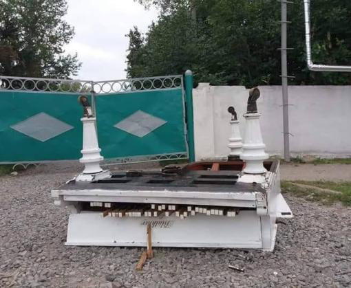 В Харьковской области разбили раритетный рояль
