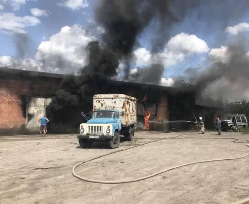 Пожар на Харьковщине: спасателей отправили в ожоговый центр