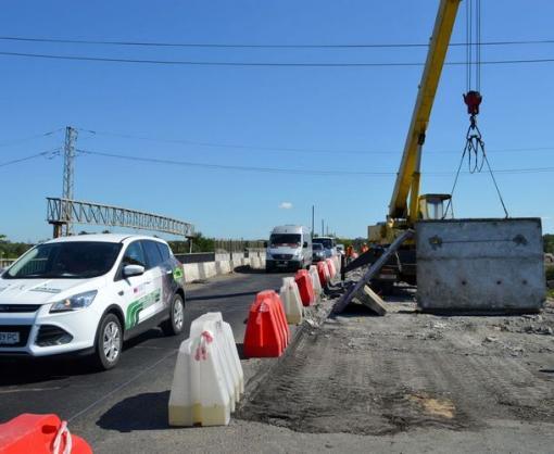 На трассе Киев—Харьков идет ремонт, движение затруднено