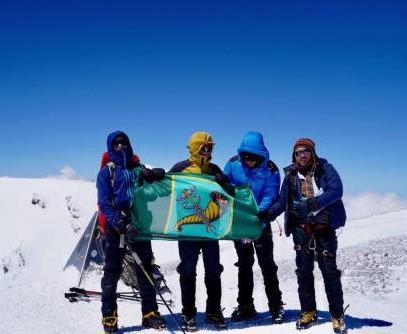 Альпинисты посвятили восхождение Харькову