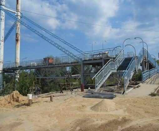 Под Харьковом реконструируют пешеходный мост