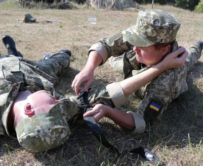 Чем военные резервисты занимались в поле под Харьковом