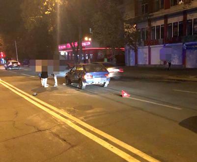 ДТП в Харькове: машина сбила двоих пешеходов на ХТЗ