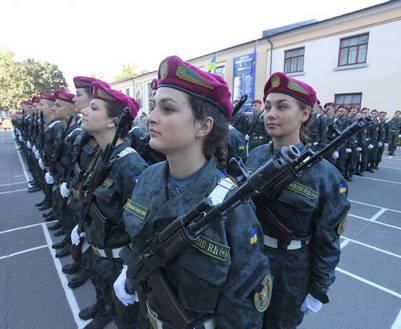 Харьковские гвардейцы встанут на ходули: видео
