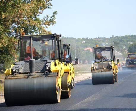 На дороге Харьков—Ахтырка осталось уложить второй слой