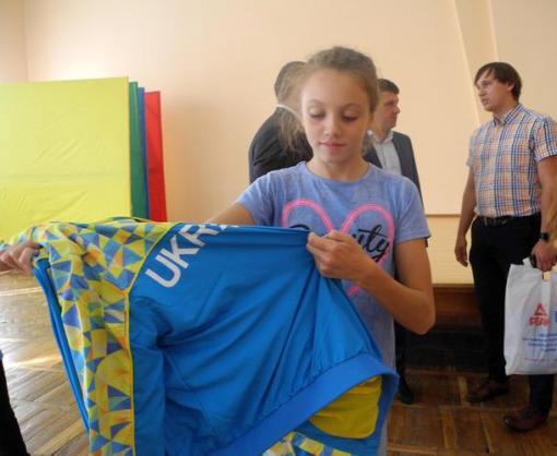 В Харькове презентовали новую форму юниоров сборной по акробатическому рок-н-ролу
