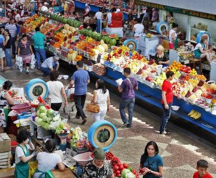 Фискалы провели профилактическую работу на харьковских рынках