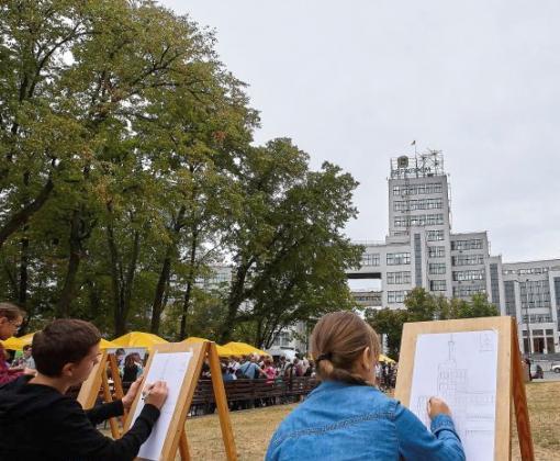 В Харькове показали, как может исчезнуть Госпром: фоторепортаж