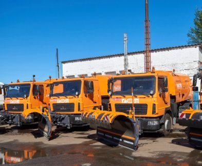 В Харьков завезли новую снегоуборочную технику
