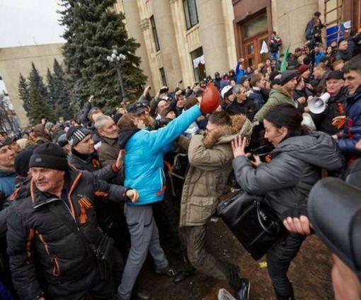 Суд в Харькове проявил «гуманность» в отношении  5 участников захвата здания ХОГА