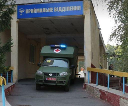 Военные медики в Харькове получили очень ценный подарок: фото-факт