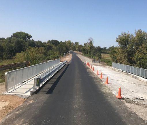 Дорожники восстанавливают на Харьковщине три моста