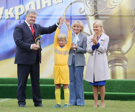 На возрожденном стадионе в Дергачах прошел турнир на Кубок Президента Украины