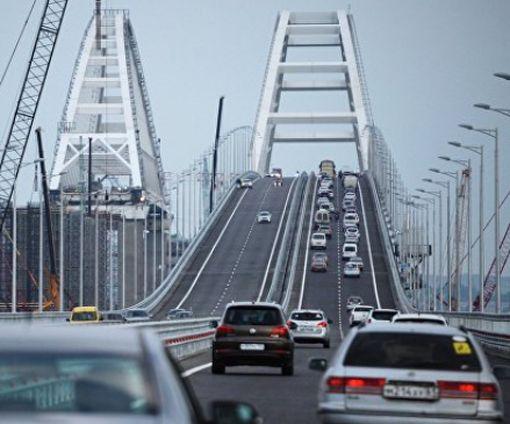 Стало известно, кому оккупанты запретили ездить по Крымскому мосту