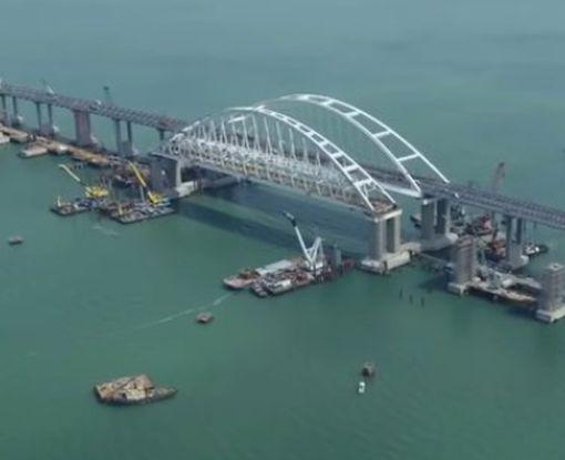 У оккупантов Крыма случилось крупное ЧП на Керченском мосту: видео-факт