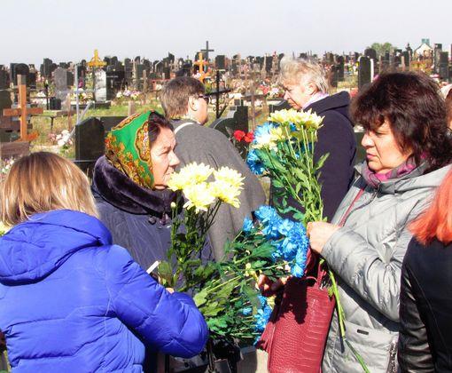 В Харькове появилась стела в память о погибших героях АТО: фото-факт