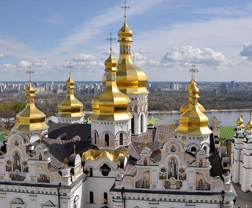 В Минкульте внятно объяснили московским попам, кому принадлежат лавры в Украине