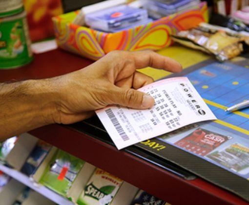 «Не упустил удачу»: житель США очень своевременно решил почистить свой кошелек