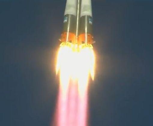 Российская ракета «Союз» с людьми на борту аварийно прервала полет