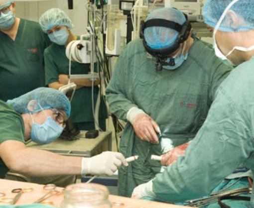 В Украине мужчине имплантировали механическое сердце