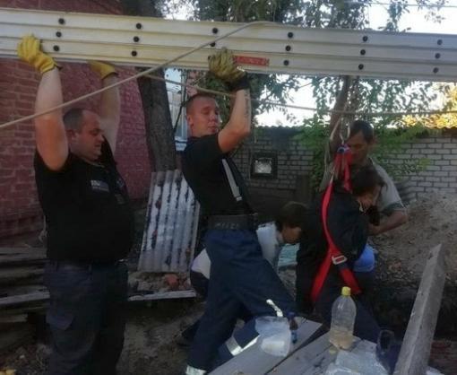 Яма в Малиновке: женщина сломала ногу