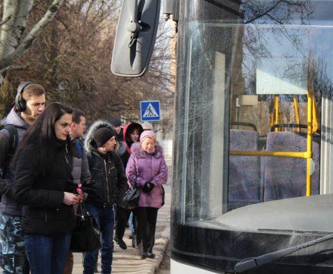 Бесплатного проезда в маршрутках для школьников не будет