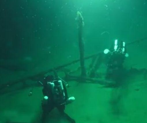 Археологи нашли в Черном море ценнейший древнегреческий корабль: видео-факт