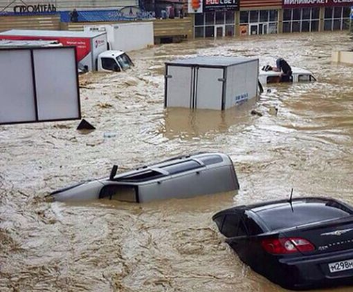 Российский Сочи отрезан от мира из-за жуткого наводнения: видео-факт