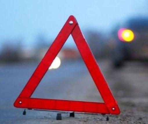 ДТП в Харькове – автомобиль выбросило на тротуар: фото-факт