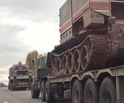В Харькове заметили перемещение военной техники: фото-факт
