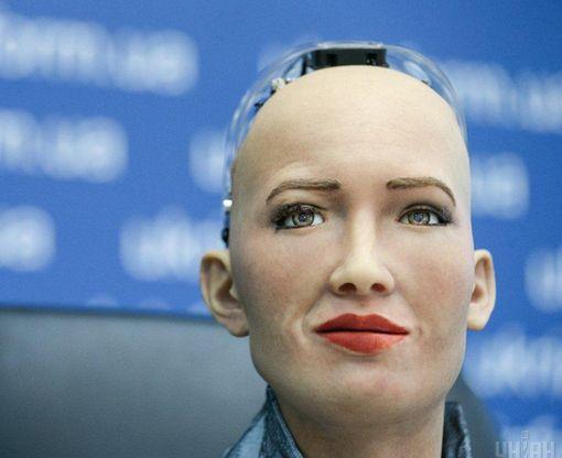 Робот София впечатлила своими рассуждениями о Боге и политике: видео-факт
