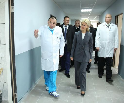 В Волчанске завершают капремонт здания поликлиники и хирургического отделения ЦРБ