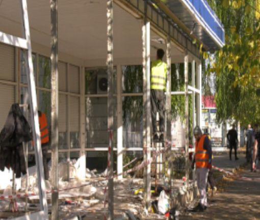 В Харькове активно сносят незаконные сооружения