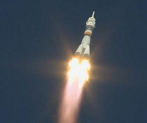 В Сети появилось видео момента аварии ракетоносителя «Союз» в космосе, снятое вблизи
