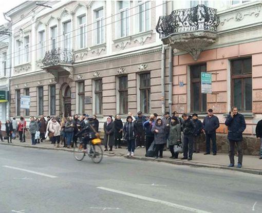 Решение властей Тернополя спровоцировало в городе транспортный коллапс: видео-факт