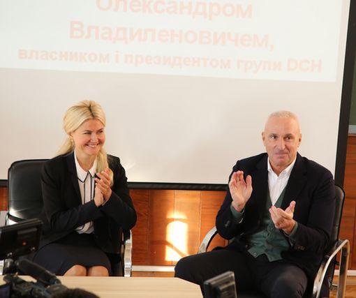 Светличная и Ярославский встретились со студентами университета питания и торговли