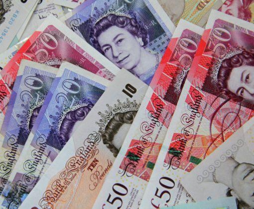 В Британии рекордно обвалилась национальная валюта