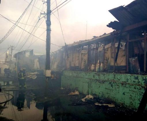 Пожар под Харьковом: в Безлюдовке сгорел магазин