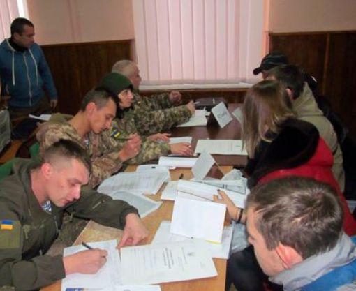 Жители Харьковской области охотно идут служить в армию