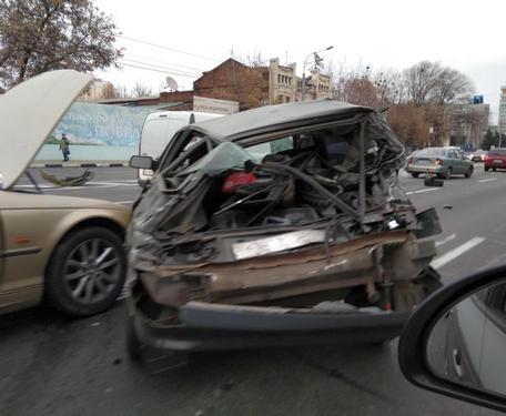 Утреннее ДТП в Харькове на Гагарина: фото-факты