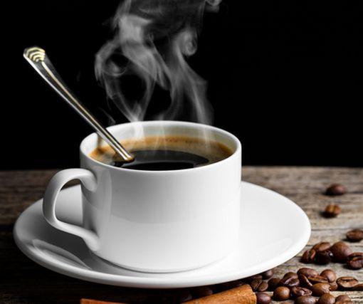Названа «пятерка» напитков, способных взбодрить не хуже кофе