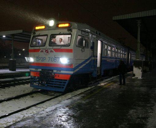 Под Харьковом начала курсировать новая электричка: фото-факт