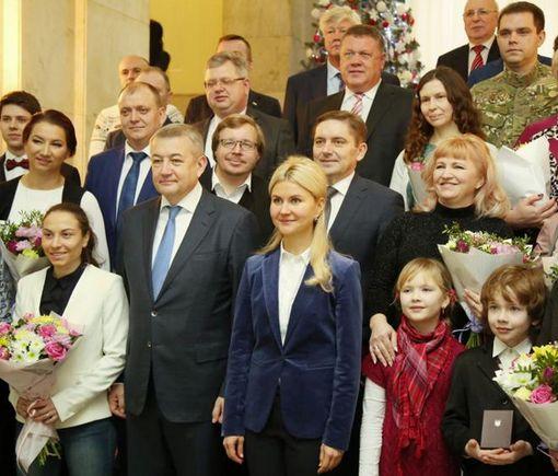 Глава ХОГА передала госнаграды выдающимся деятелям Харьковщины
