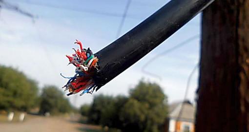 Телефонисты не успевают восстанавливать связь
