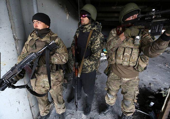 В Сети показали уникальные кадры боев за Донецкий аэропорт: видео 18+