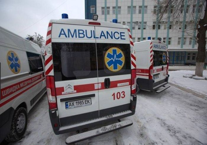 Малыша, которого под Харьковом пьяный отец сбросил с 4-го этажа, выписали из больницы