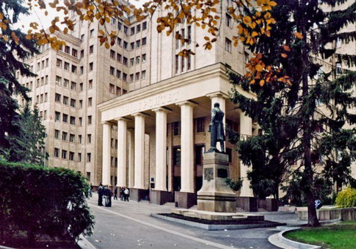 В Украине будут укрупнять университеты